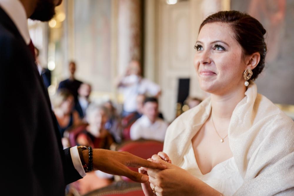 échange d'alliances au Capitole par la mariée