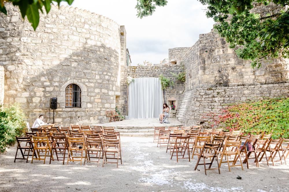 Château de Roussillon cérémonie laique