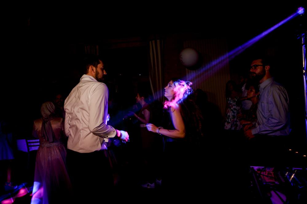 Danse à la soirée de mariage au château de Roussillon